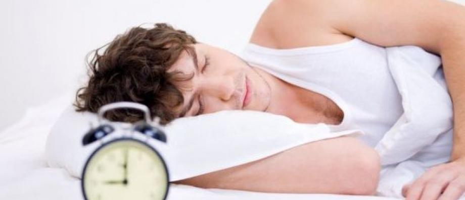 journ e du sommeil pour bien dormir il faut tre seul dans son lit jean marc morandini. Black Bedroom Furniture Sets. Home Design Ideas