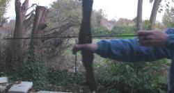 Coup de chance : En Italie, un homme survit malgré s'être tiré une flèche métallique ... dans le cou ! - Regardez