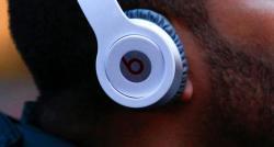 Smartphones et impacts pour notre santé auditive ?  Le collectif d'experts scientifiques de la JNA veut alerter les Français